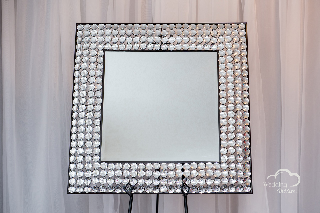 Mirror Frame with Diamond Border
