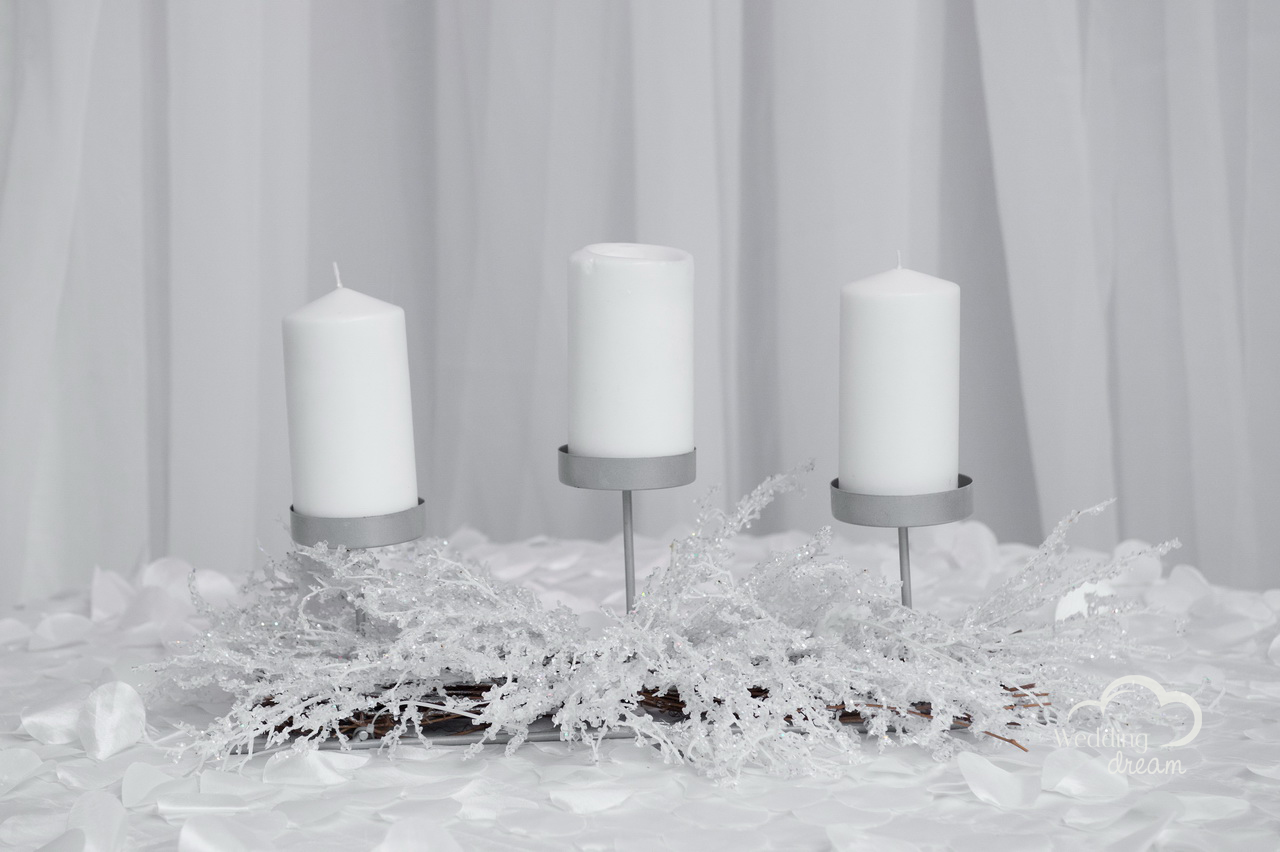 Winter 3 Candle Holder Centrepiece