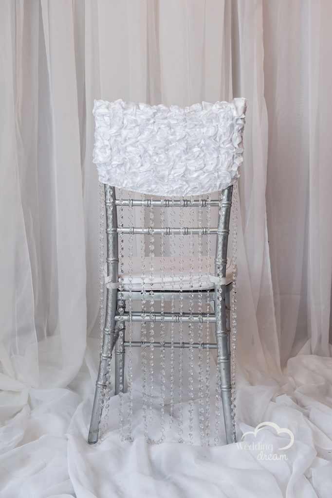 White Chiavari Chair Cap with Acrylic Diamond Strand
