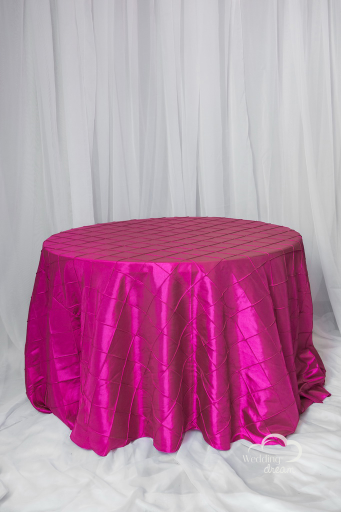 Fuscia Pintuck Table Cloth