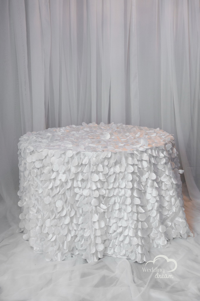 White Petalled Table Cloth