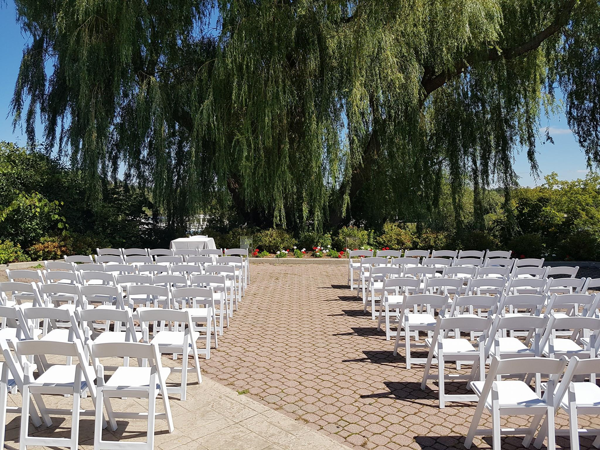 golf steak wedding outdoor ceremony chairs kitchener wedding decor