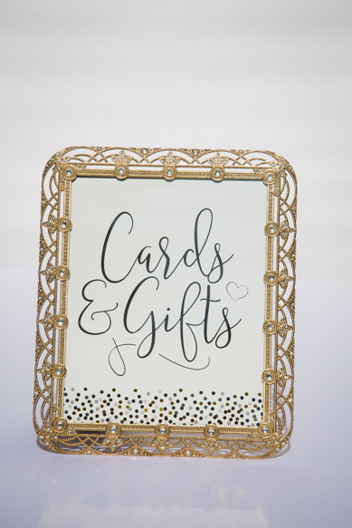 Cards and gift frame