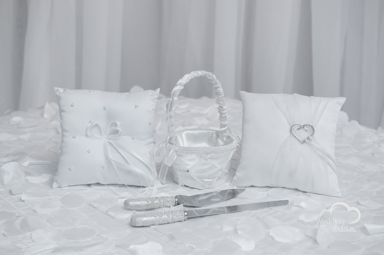 Ring Pillow, Cake Set & Flower Basket