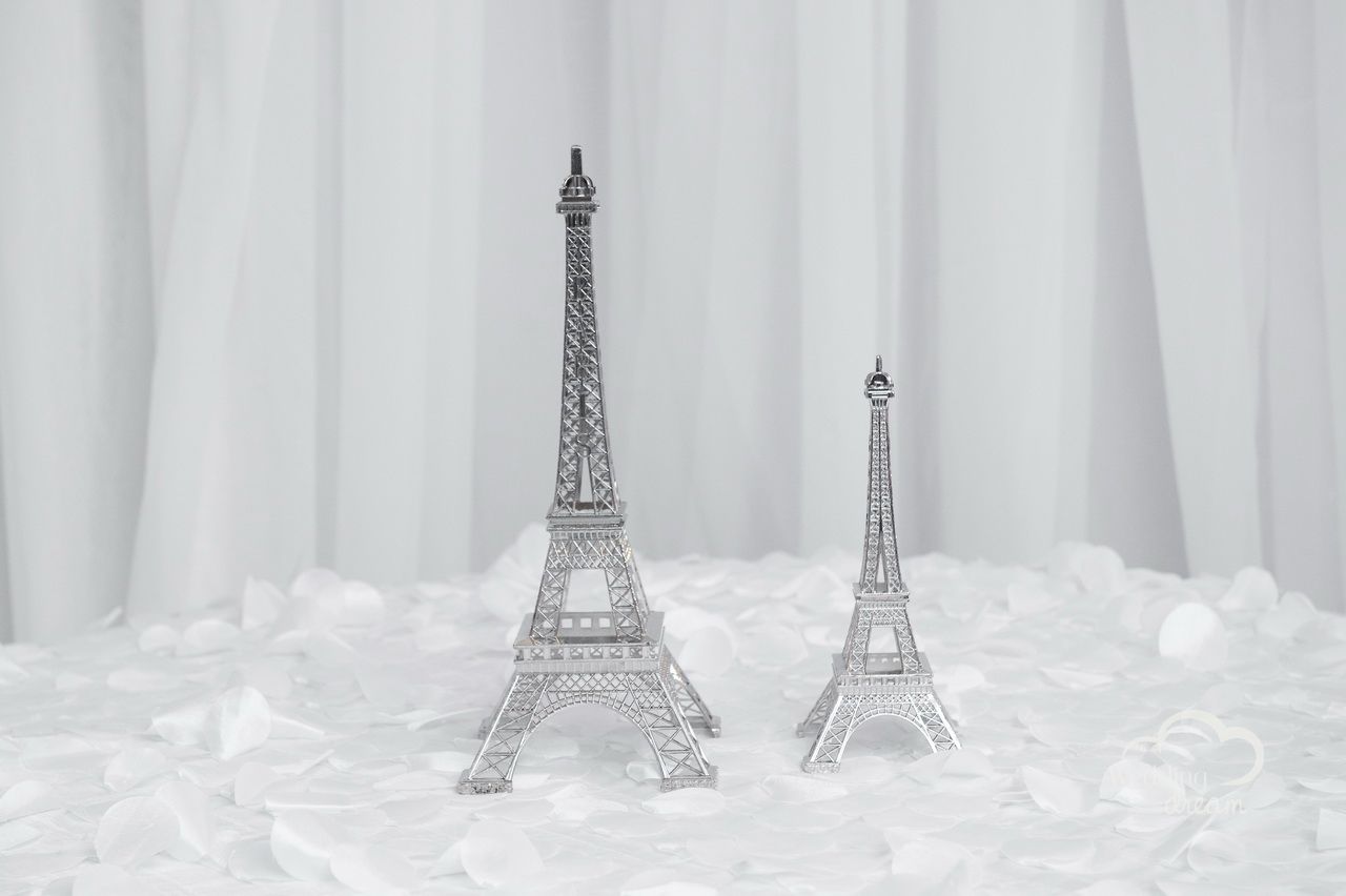 Eiffel Tower Vase Centrepieces