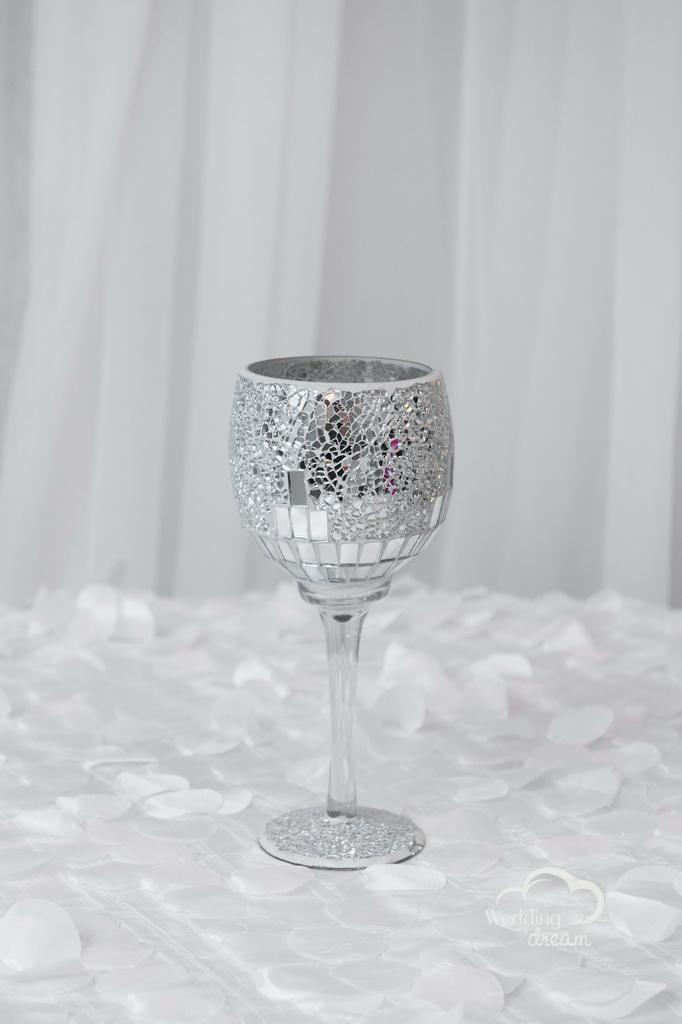 Mirrored Goblet Vase Centrepiece