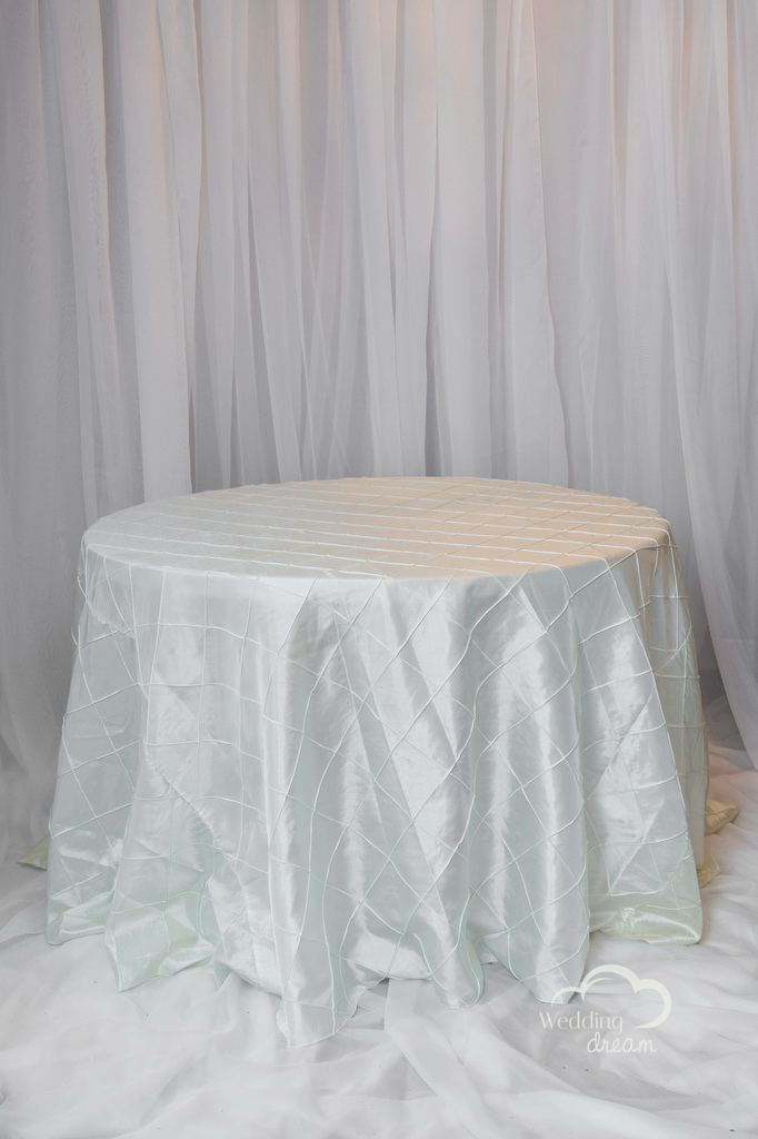 Ivory Pintuck Table Cloth