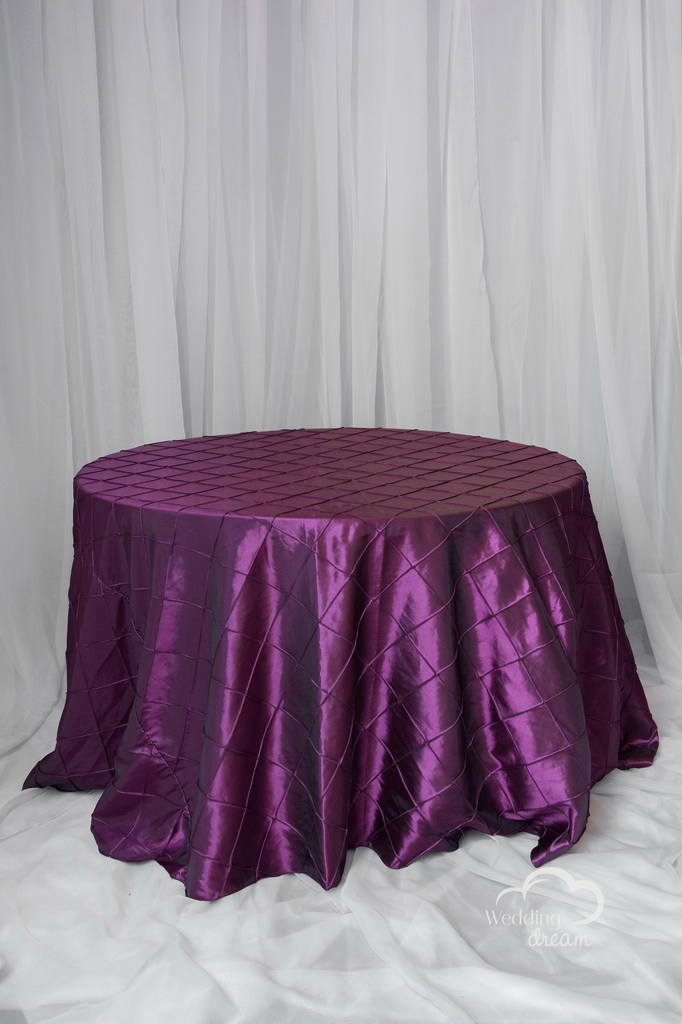 Plum Pintuck Table Cloth